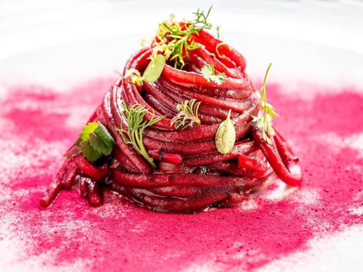 pesto-di-barbabietole-rosse-kriyayoga-ricette di mina in cucina-ricette vegane-cucina sana-barbabietole rosse
