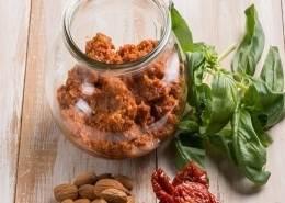 pomodori secchi-paté di pomodori-ricette di mina-mina in cucina-kriyayogaevolution-mina formisano-fulvio falsanito