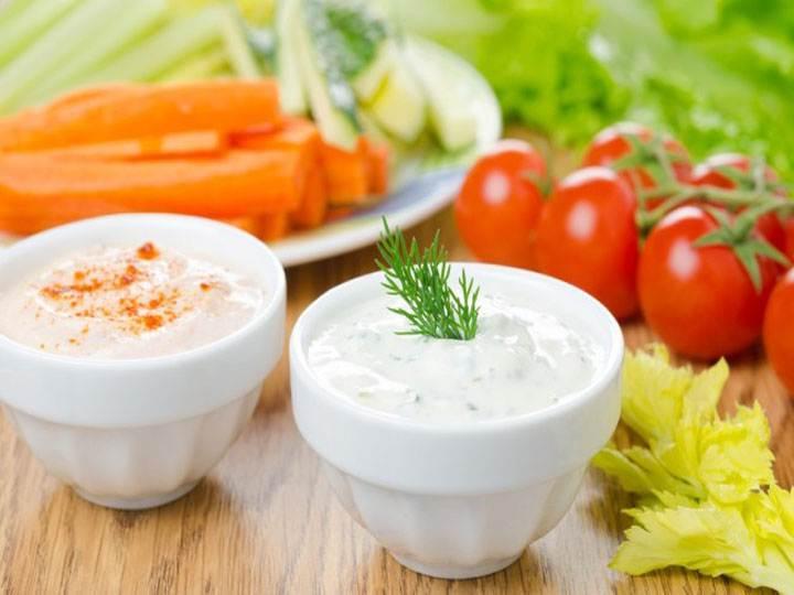 salsa allo yogurt-mina in cucina-ricette di mina-kriyayogaevolution-yoga busto-mina formisano-fulvio falsanito