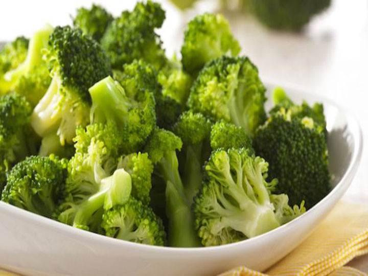 pasta con i broccoletti-mina in cucina-ricette di mina-ricette yoga-ricette vegane-cucina yoga-kriyayogaevolution-yoga busto-mina formisano-vegan