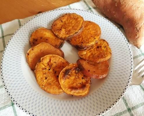 patate dolci al forno-mina in cucina-ricette di mina-ricette yoga-ricette vegane-cucina yoga-kriyayogaevolution-yoga busto-mina formisano-torta- contorni