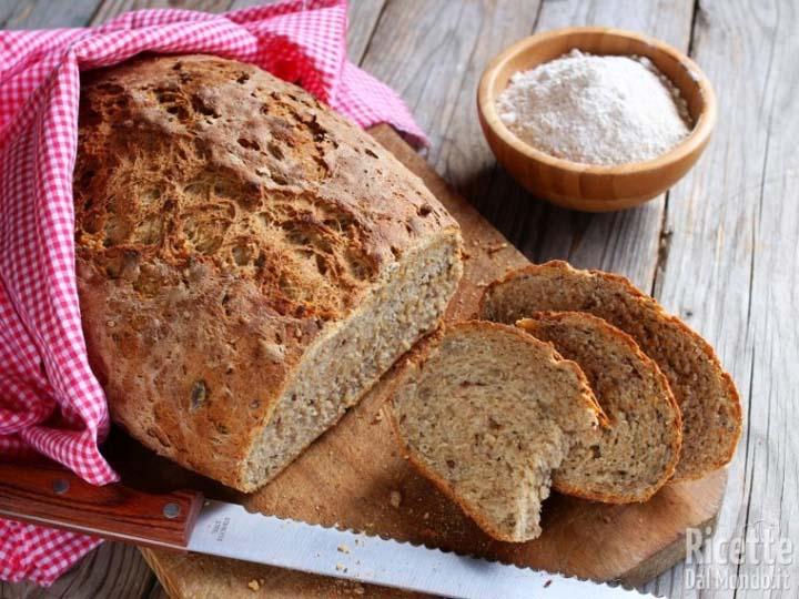 quando il pane diventa arte-mina in cucina-ricette di mina-ricette yoga-ricette vegane-cucina yoga-kriyayogaevolution-yoga busto-mina formisano-pane fatto in casa