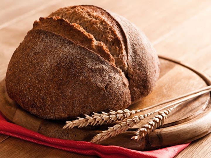 quando il pane diventa arte-mina in cucina-ricette di mina-ricette yoga-ricette vegane-cucina yoga-kriyayogaevolution-yoga busto-mina formisano-pane profumi antichi