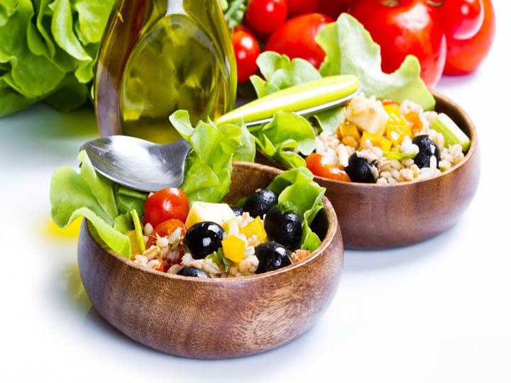 insalatona light-mina in cucina-ricette di mina-ricette yoga-ricette vegane-cucina yoga-kriyayogaevolution-yoga busto-mina formisano- cibi alcalini
