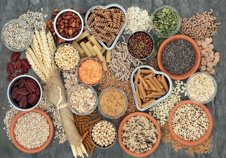 10 alimenti da tenere sempre in dispensa-mina in cucina-ricette di mina-ricette yoga-ricette vegane-cucina yoga-kriyayogaevolution-yoga busto-mina formisano-torta- tutto integrale