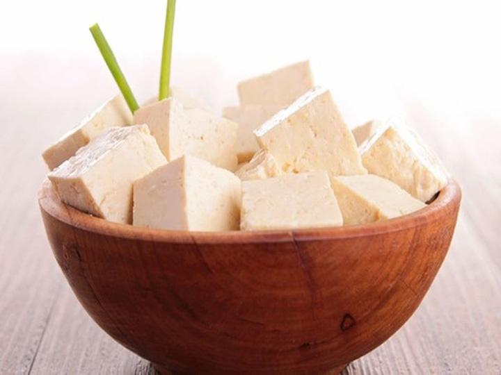polpette al tofu-mina in cucina-ricette di mina-ricette yoga-ricette vegane-cucina yoga-kriyayogaevolution-yoga busto-mina formisano-cucinare il tofu