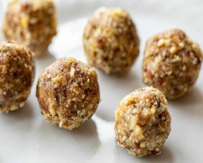 energy balls-mina in cucina-ricette di mina-ricette yoga-ricette vegane-cucina yoga-kriyayogaevolution-yoga busto-mina formisano-torta- energy food