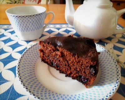 torta al cioccolato in padella-mina in cucina-ricette di mina-ricette yoga-ricette vegane-cucina yoga-kriyayogaevolution-yoga busto-mina formisano-torta vegan